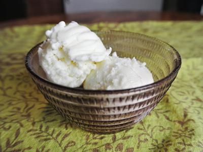 Vanilla-Frozen-Yogurt-6