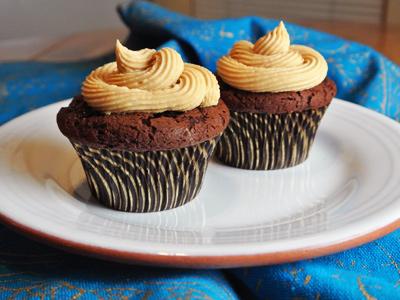 Dark-Chocolate-Cupcakes-11