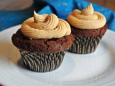 Dark-Chocolate-Cupcakes-13
