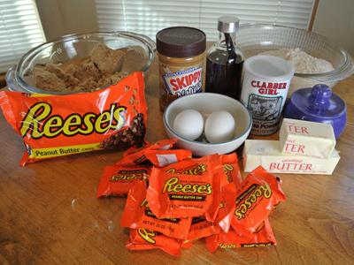 Reeses-Cookie-Bars-1