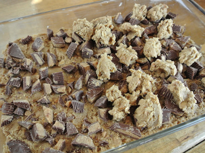 Reeses-Cookie-Bars-12