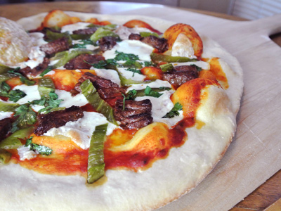 Steak-and-Green-Chile-Pizza-12a