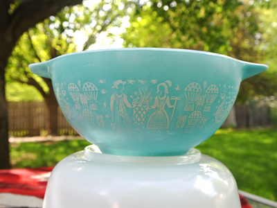 Pyrex-Butterprint-Bowl-1