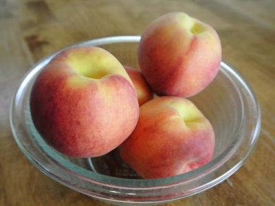 Peach-Dumplings-with-Vanilla-Cream-Sauce.1