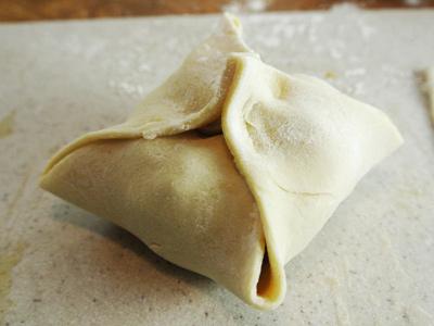 Peach-Dumplings-with-Vanilla-Cream-Sauce-13