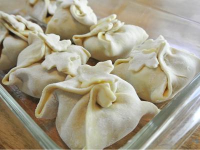 Peach-Dumplings-with-Vanilla-Cream-Sauce-15