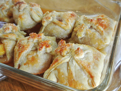 Peach-Dumplings-with-Vanilla-Cream-Sauce-17