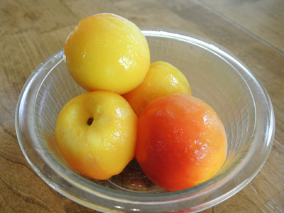 Peach-Dumplings-with-Vanilla-Cream-Sauce-3