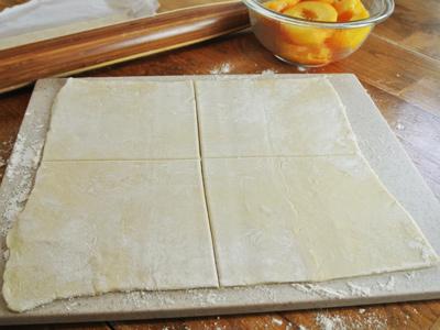 Peach-Dumplings-with-Vanilla-Cream-Sauce-8