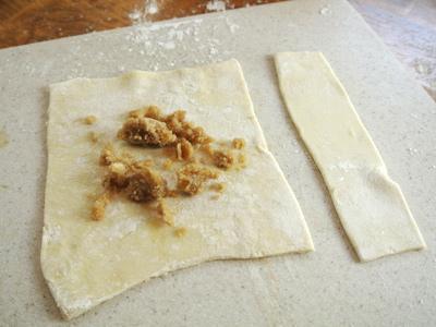Peach-Dumplings-with-Vanilla-Cream-Sauce-9