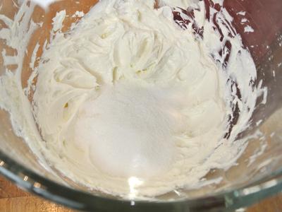 Mini-Peanut-Butter-Cup-Cheesecake-12