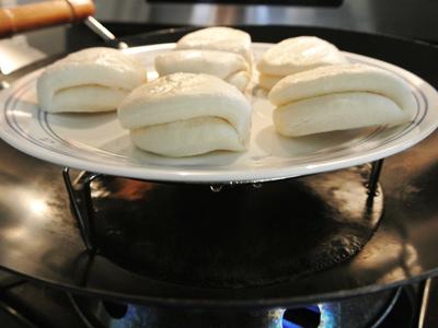 Banh-Bao-Steamed-Buns-2