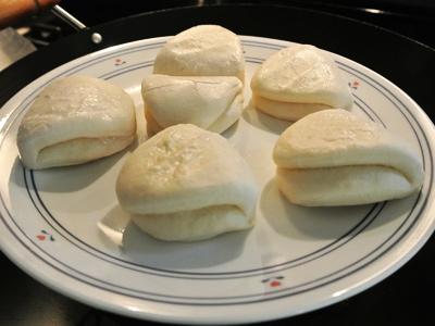 Banh-Bao-Steamed-Buns-3