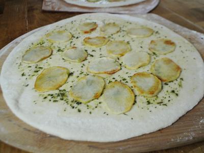 potato-leek-pizza-with-pork-belly-6